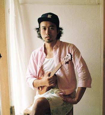 こちらは全国を旅しながら年間約100本のペースでライブを行っているシンガーソングライター、miya takehiro。
