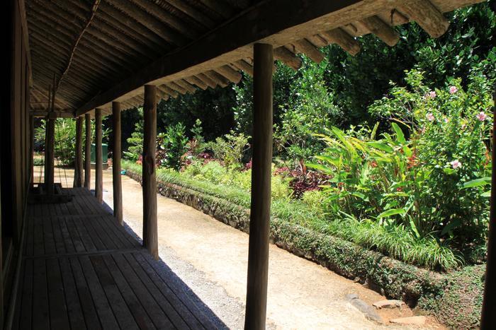 敷地の広さは600坪もあります。歴史的な建造物は国内にもたくさんありますが、こちらでは沖縄の人が歩んできた暮らしを建物を通して感じる事が出来ますよ。