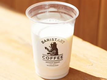 牛乳そのものを味わいたい時に。「BARISTARTCOFFEE」が季節に合わせて厳選したミルクか、十勝加藤牧場の生乳100%ジャージー牛乳のどちらかを選べます。