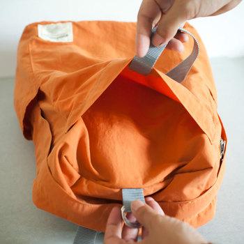 とても軽くてシッカリしているバッグなんですよ。ベルトで調節できる便利なポケットがあったり、何かと機能的♪