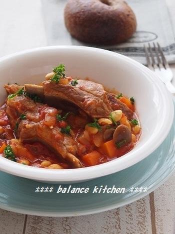 低温でゆっくり加熱することにより、お肉も大豆もほっくりやわらかく仕上がります。炊飯器なら火を使わないので、放っておけるのがいいですね!玉ねぎにんじんトマト、キノコまで入っているから栄養も満天☆