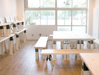 ハンドメイドの販売サイトとして有名な「minne」のアトリエも施設内にあります。勉強会に参加したり、お茶を飲みながら作品づくりのアイディアを出し合ったり、作品を持ち寄って交流したり…いつでも気軽に立ち寄れるハンドメイドを楽しむための場所です。