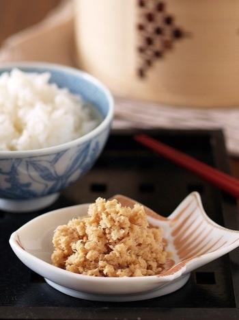 高価な鯛も、アラ汁などを作った時の身を使って作るれば絶品鯛そぼろが出来ますよ。お茶漬けにもおすすめです。