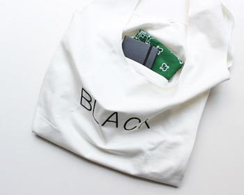 エコバッグはシンプルな作りのものが多いなかで、すぐに取り出したい細々としたものを収納できる内ポケットつきの仕様は嬉しいですよね。鍵やスマホなどを入れておけば、荷物でいっぱいのお買い物帰りもサッと取り出せて便利。