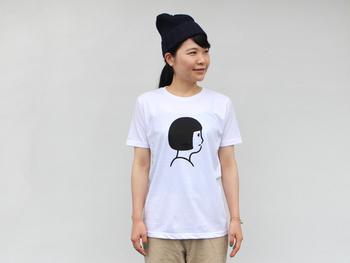 「毎日持ち歩くことができるiPhoneケースも素敵だけれど、Noritakeさんの世界観をもっと大胆に楽しみたい!」 そんな方におすすめなのが、シンプルだけどバツグンの存在感を感じさせてくれるTシャツ。