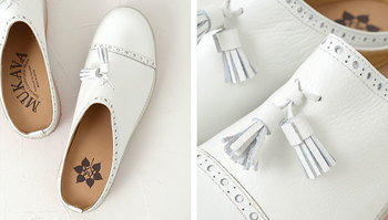 綺麗にお手入れされた靴はハッと目を引くものがあります。明るい色であればあるほど気をつけましょう。