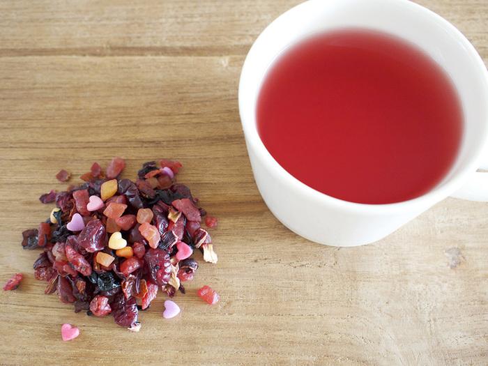 ストロベリー・クランベリー・カシスなどのピンク色のドライフルーツにハート型のシュガー入りで、見た目も可愛いティートです。甘みと酸味のバランスがGOOD。