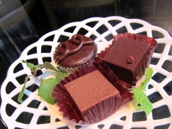 Aquariumは、お酒だけではなく料理、またケーキも美味しいと評判です。特にチョコ系のスイーツが人気だとか。