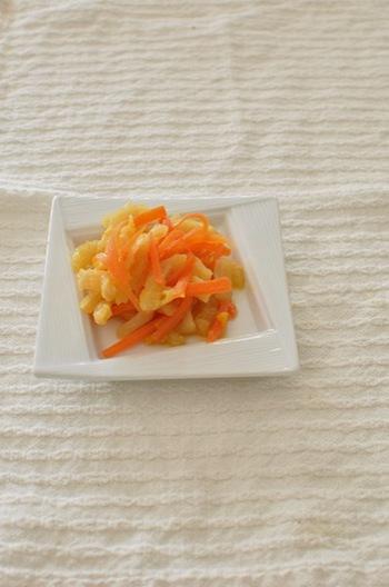 いつもの切干大根が、オレンジジュースでオシャレな味わいに大変身! こってり系のおかずの時は、オレンジの爽やかな香りがする切干大根、是非ご賞味ください。