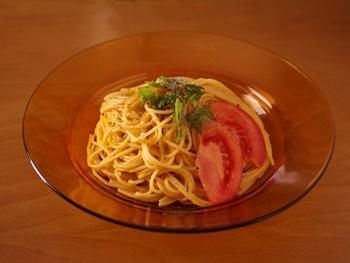 パスタ以外の材料は、全部ミキサーにかけて、冷やしたパスタにからめるだけ!ほどよい酸味とクリーミーさがおいしい、超簡単なひんやりパスタです。