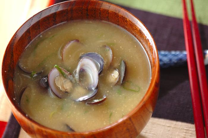 鉄分豊富なしじみの味噌汁。ほっと温まる優しい味です。