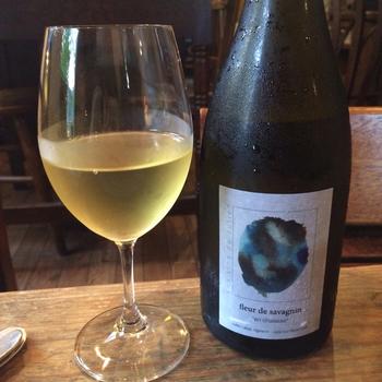 「ウグイス」で扱っているワインは「ビオワイン」と言って、有機農法で作られたモノなんです。味はもちろん、体のこともしっかり考えていて嬉しいですね。
