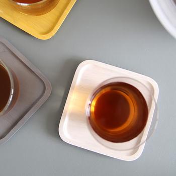 サイズはL・M・S・SSサイズの4種類。全サイズをスタッキングできるように設計されているので収納するのも楽チンなんです。  一番小さい正方形のSSサイズはコップなどを置いてコースターにしたり、フルーツなどのせる小皿にしたりと様々な用途で使えます。