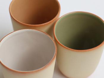 どことなく和も感じるデザインで、朝食にはコーヒーではなく緑茶や中国茶、という人にオススメです。  もちろんコーヒーや紅茶、牛乳を注いでもOK。