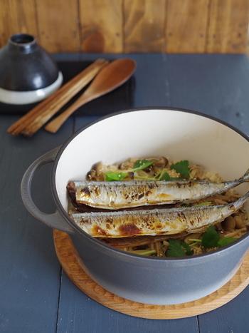こちらは「秋刀魚としめじの炊き込みごはん」。秋刀魚の香ばしい香りが食欲をそそります。旬のうちに食べておきたい一品です!