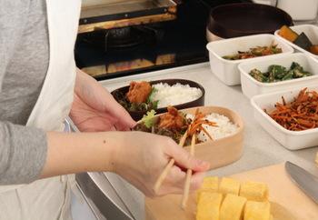 """毎日家族のことを想いながらお料理をする千恵さんの愛情は、ブログや書籍からも伝わってきます。読んでいるだけで温かい気持ちになれ、自分もこんな風に""""食""""に向き合いたいと思えるはずです。"""