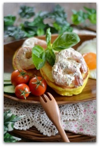 パンケーキ自体も、ターメリックでよりお食事系に。 野菜やたまごとも合わせてカラフルな一皿にしたいですね。