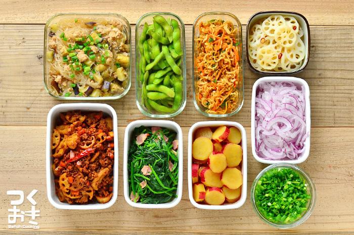 毎日きちんとしたご飯を作るのは大変ですよね。そこで、お休みの日やちょっと時間のある日などに、あらかじめ1週間保存しておける「常備菜」を作り置きしておけば、買い出しの時間もご飯を作る時間も短縮できますよ。