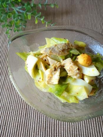 アンチョビがワインにも合う大人なテイストのサラダです。ささみと卵でボリュームありながら、さっぱり食べられます。