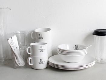 和食と洋食、どちらでも重宝する「白い食器」で統一しているというご家庭も少なくないはず。  この食器セットなら他の食器ともなじみやすく、男の子も女の子も大人も使えるデザインで、活躍するシーンも多そうですね。