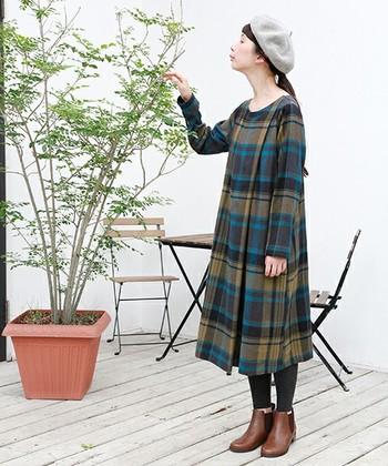 レトロでクラシカルなムード漂う『ベレー帽』。知的な印象を与えてくれるので芸術の秋のファッションのアクセントにぴったりです。