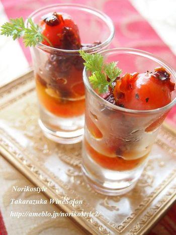 【フレッシュ&ドライダブルトマトのハニーマリネ】 フレッシュのミニトマトとドライトマト、食感が違うトマトのダブル使い。ハチミツで甘めにマリネしデザートに。