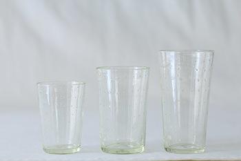 くるみガラスの定番商品「スタンダードグラス」。S、M、Lの三種類の大きさがあります。