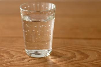 ベーシックな形が使いやすい「スタンダードグラス」。ガラスの中の細かな気泡により、清涼感を感じます。口当たりが優しいのも嬉しいです。