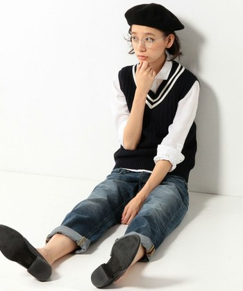 ベレー帽にトライしてみたいけど、どうやってかぶったらいいの・・・?かぶり方がよく分からない!という方も意外と多いのではないでしょうか?まずは、ベレー帽をバランスよくかぶるためのかぶり方法をご紹介します。
