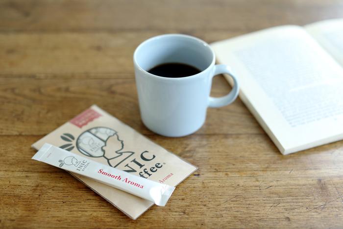 【Smooth Aroma】 定番商品「スムースアロマ」。厳選されたアラビカ種の豆を100%使用しました。深みがあるのにさらりと飲める口当たりでバランスのいい一杯。コーヒーを敬遠しがちな人にもおすすめの味です。