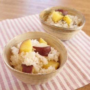栗と言ったら、サツマイモも外せない秋の味覚。サツマイモの甘みがご飯にマッチし、食欲を掻き立てますよ。