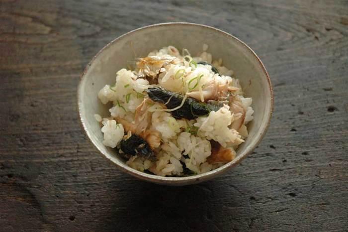 秋魚の秋刀魚と薬味を組み合わせた旬のレシピ。焼き魚を丸ごと食べるのが苦手な方にもおすすめです。