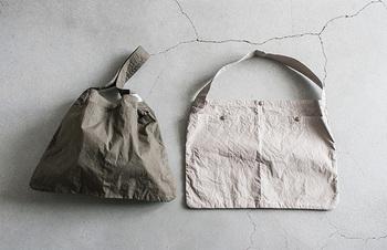 A3サイズがスッポリと入る、使い勝手バツグンの「サコッシュソリッドショルダーバッグ」。大容量な上に小さく折りたたむこともできますので、旅行時のサブバッグとしても大活躍間違いなしです!