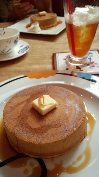 ティーハウスでは紅茶とともにいただくホットケーキが看板メニュー。 紅茶同様に、こちらも厳選された材料を使っています。