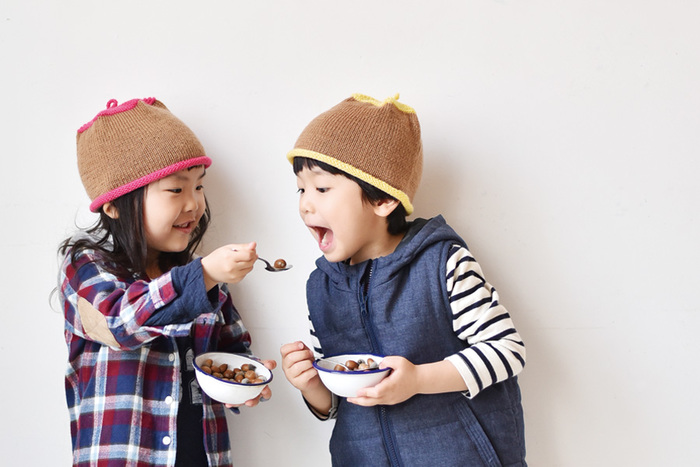 こんなかわいい、どんぐり帽子もつくれちゃいます♪ お友だちとお揃いで、編んであげてもいいですね。
