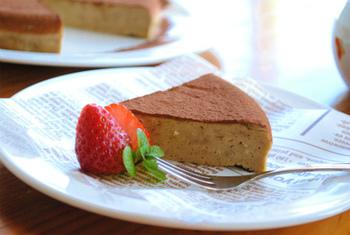 ティラミスを作るのは一苦労ですが、炊飯器を使って作れるティラミス風チーズケーキを試してみませんか?市販のクリームチーズにコーヒーゼリーを混ぜて作るアイデアレシピです。