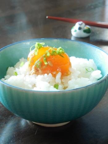 漬けることでねっとり濃厚な味わいになる卵黄は、白いごはんと相性抜群。