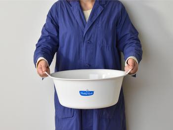 衣類はもちろん、スニーカーやアウトドアグッズを洗ったりするのにも使えます♪洗濯以外にも、収納や足湯に使ったりもでき、何かと便利なアイテムなんです◎