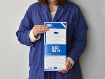 ウォッシュタブにすっぽり納まるサイズで、とても使い勝手がいいので、一緒に使うのもオススメです◎ 少しスリムな縦長で、軽くて持ちやすいので、いつでもどこでも持ち運んで使えるので便利ですよ。