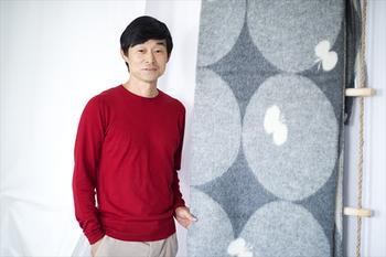 「ミナペルホネン」は皆川明さんがデザイナーを務めるブランドです。国内外のテキスタイルメーカーと共同して素敵なデザインのテキスタイルを生み出しています。近年では「2015毎日デザイン大賞」、「平成27年度(第66回)芸術選奨 美術部門 文部科学大臣 新人賞」を受賞されたデザイナーさんです。