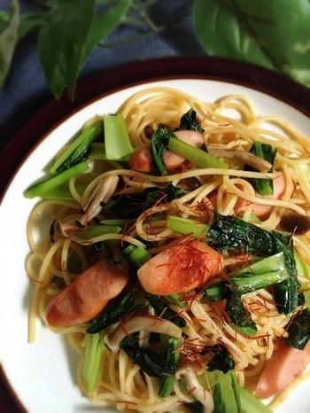 イタリアンとも相性が良いナンプラーは、パスタの隠し味にもピッタリ。たっぷりの葉もの野菜とウィンナーの色合いも美味しそうで食欲がそそられます!