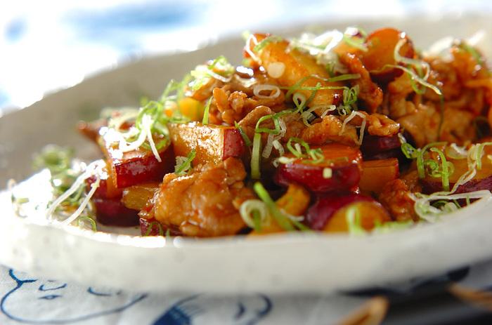 ニンニクの香りが食欲をそそり、ご飯が進むメニュー!豚肉とサツマイモのバランスも絶妙です♪
