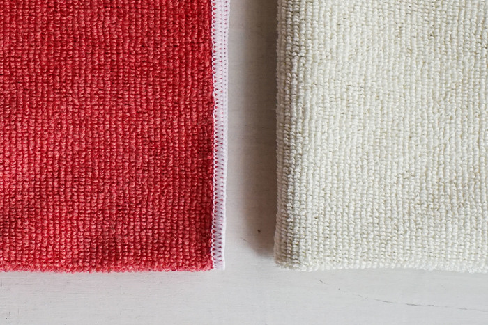 「MQ・Duotex」はウルトラマイクロファイバーで作られています。髪の毛の120分の1という極細繊維がどんな凸凹面にもフィットして埃や汚れを絡め取る優れもの。