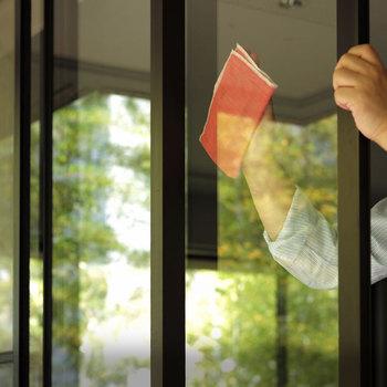 大きな窓はお掃除が大変ですよね。でもMQ・Duotexなら水だけで簡単にキレイになるので、窓ふきが楽しみになりそう♪