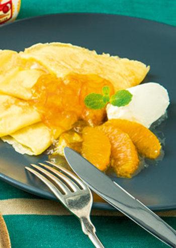 牛乳、小麦粉、卵、で作れるお手軽なクレープもオレンジソースを加えるとおしゃれなスイーツに変身。マスカルポーネチーズもトッピングすれば、パーティーにもおすすめの一品に。