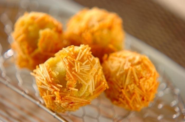いが栗かと思いきや、サツマイモのマッシュに素麺を衣にしてイガイガに。優しい甘みはおかずにもおやつにもいけますね。