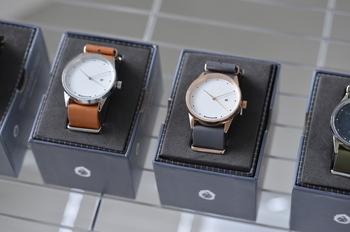 「HYPER GRAND(ハイパーグランド)」はシンガポールの新進気鋭の時計ブランド。洋服に合わせて時計も着替えておしゃれを楽しむことをコンセプトに活躍の場を広げています。