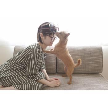 眼鏡愛好家の古田さんらしい面白写真。 こんな風につけてもお洒落に見えるのも流石です。
