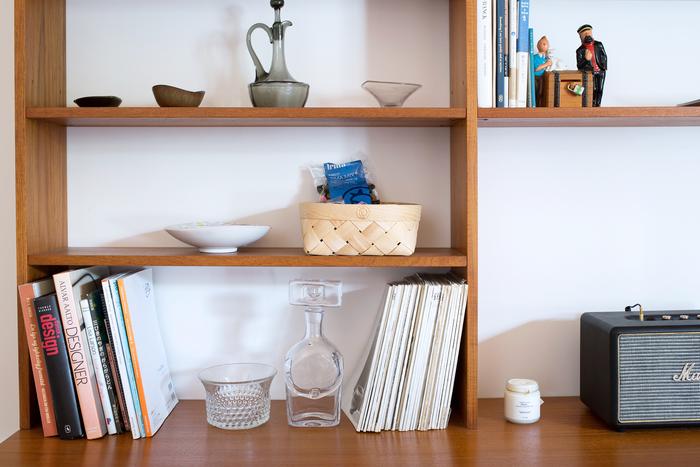 使いやすいサイズ感だから、キッチンやリビングなどお部屋の色々なところで活躍してくれそう。ごちゃごちゃしがちなリビングの雑貨を入れたり、キッチンタオルやクロスなどを収納したりと、入れるだけでおしゃれに見える便利なアイテムです。
