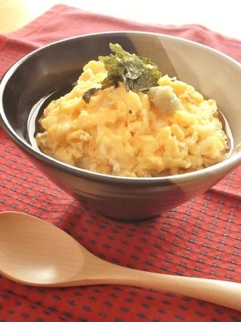 こちらは混ぜ込み用ふりかけにお出しと卵をかけたレシピ。簡単にできるのはもちろん、さっぱりと食べれそうですね。